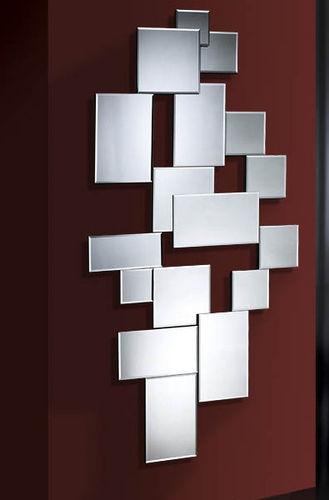 espejo realizado con espejos de diferentes tamaos con cantos biselados